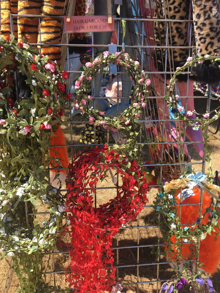 How to make a festival flower crown that festival blogger every year i seem to buy a flower crown and i always think afterwards i could have made this so this year i decided to get creative and make a flower izmirmasajfo